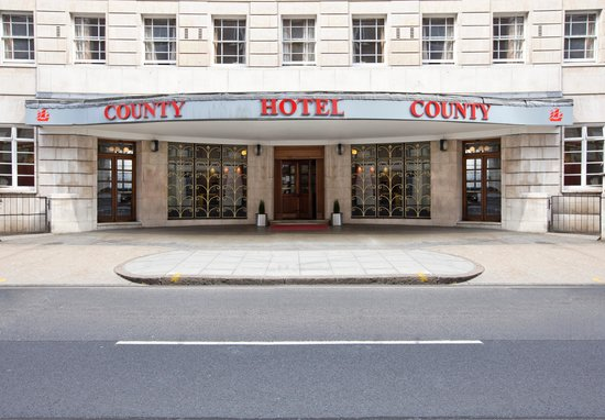 The County Hotel : The County