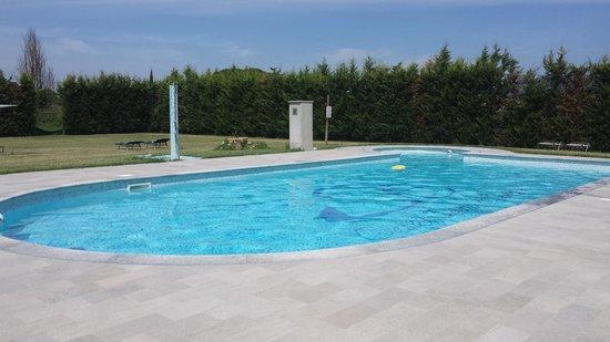 Casal Sant'elena: la piscina ♡