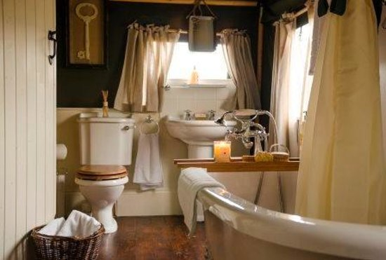 The Dandelion Hideaway: Ensuite bathroom