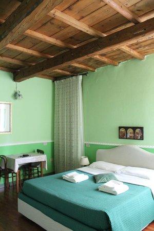 Alle Giostre Antico Alloggio: camera_vert