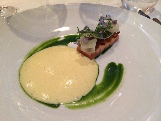 ORO Restaurant : Vildlaks med hollandaise