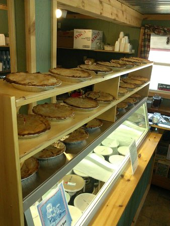 Cabin Fever: pies pies pies