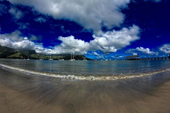 Hanalei Beach: calm water