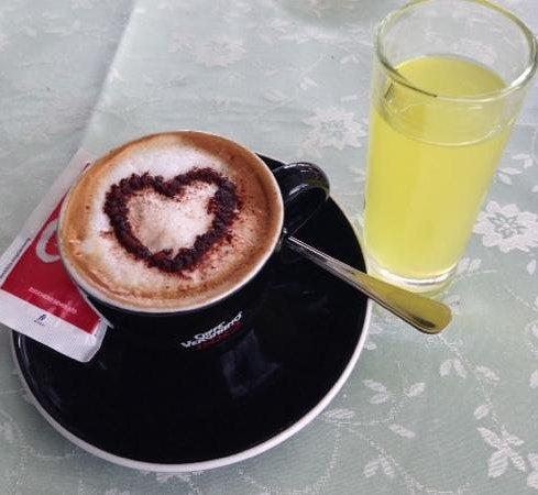 La Fenice: mon café avec un verre de limoncello offert