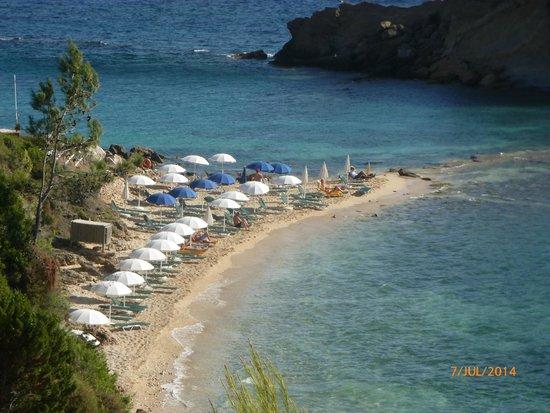 White Rocks Hotel & Bungalows: hotel's private beach