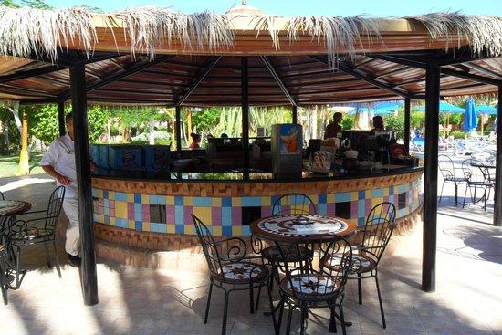 Club Magic Life Sharm el Sheikh Imperial: Relax Pool Bar