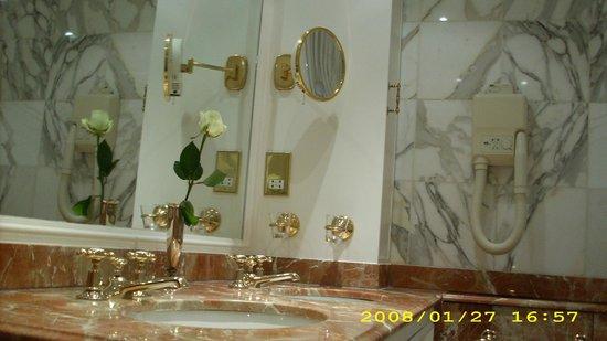 The Ritz London: Banheiro