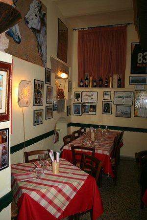 La Taverna dei Fori Imperiali : Drinnen ist es sehr gemütlich