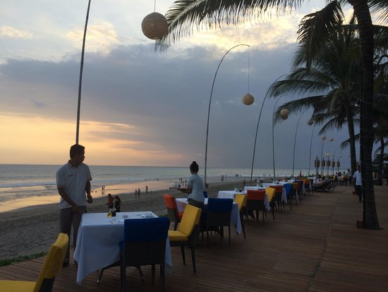 The Samaya Bali Seminyak: Beachfront Restaurant