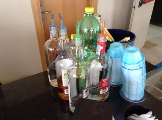 Menfi Beach Resort : les alcools du bar all inclusive !!!!   la honte.