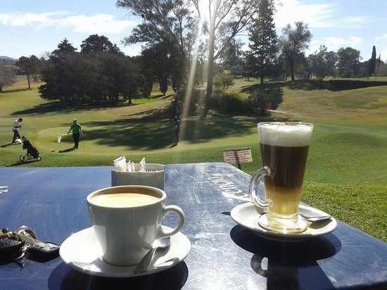 Alta Gracia Golf Club Restaurant : Café de sobre mesa