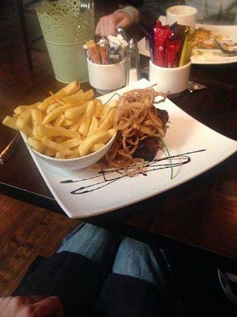 Paris Texas Bar & Restaurant: Awesome