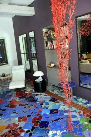 Mas de l'Amarine : Das Foyer mit dem Mosaikfußboden