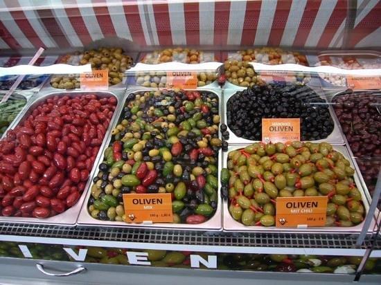 Vienna Naschmarkt : Assortment of Olives