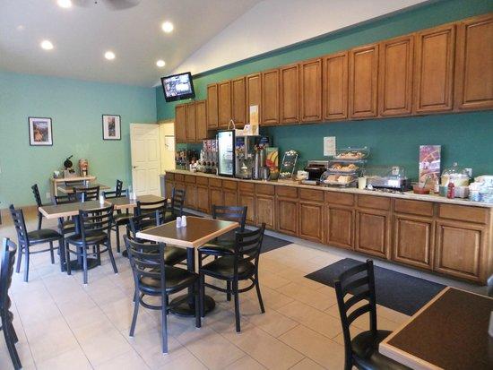 Quality Inn & Suites Montclair : Frühstücksraum