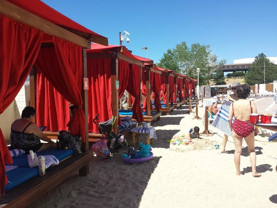 Grand Sierra Resort and Casino : lovely cabanas surrounded by lovely sand.