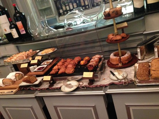 Four Seasons Hotel Firenze: A breakfast selection