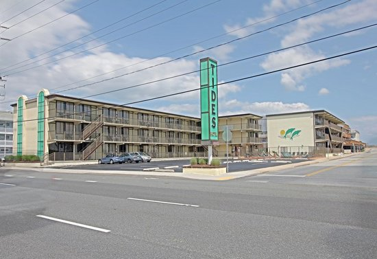 Surf Inn Suites: The Tides Motel
