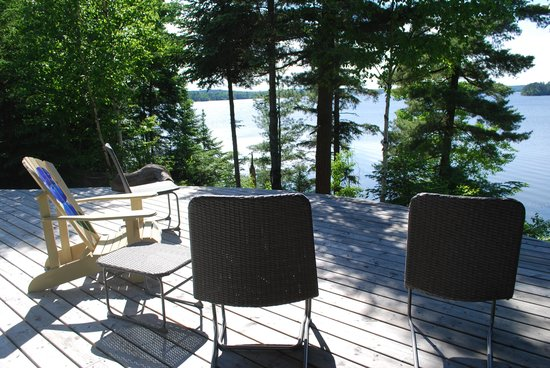 Sleepy Dog Cabins: Deck views