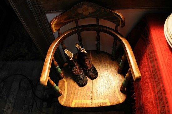 Tenement Museum: Moore children's shoes