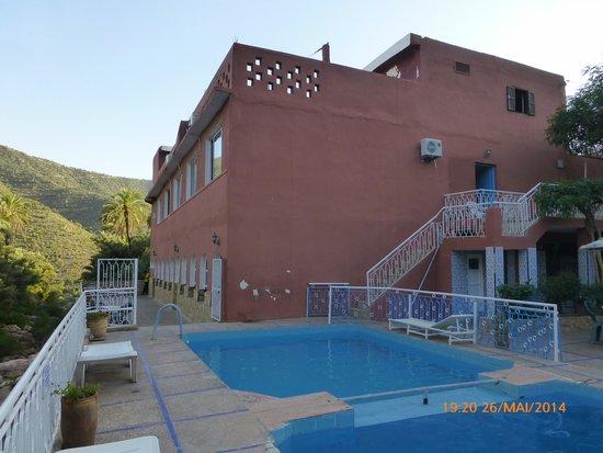 Hotel Restaurant Tifrit : vue sur la piscine