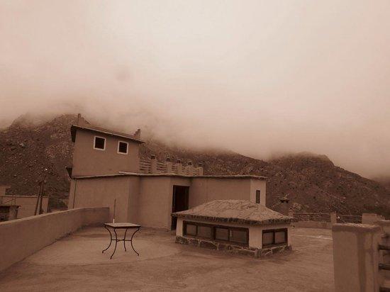 Dunes & Desert Exploration : Low clouds