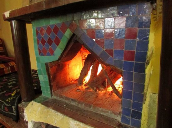 Dunes & Desert Exploration : Fire lit to warm us before leaving the riad