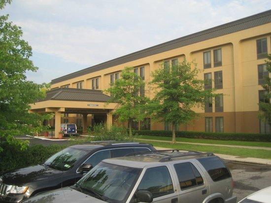 Hampton Inn Ann Arbor - North: Hampton Inn Ann Arbor-North, Ann Arbor, MI, June 2014