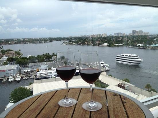 Hilton Fort Lauderdale Marina: beautiful view from our balcony, however, hotel has many flaws