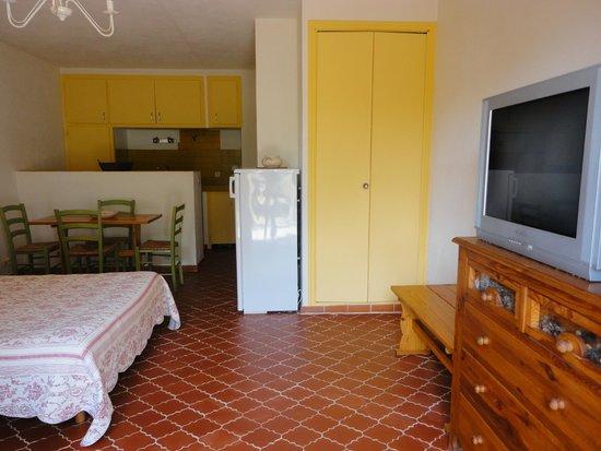 Les oliviers grimaud france voir les tarifs et avis - Interieur eclectique appartement sobrado studio ...