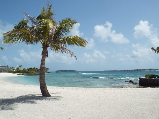 Holiday Inn Resort Kandooma Maldives : Beach by The Kitchen