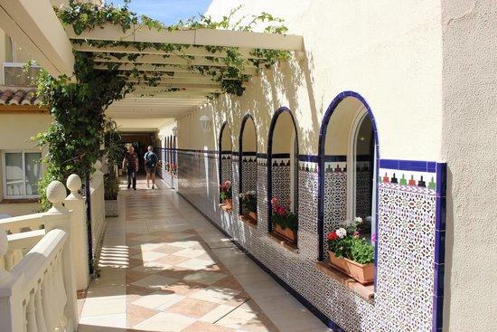 Hotel Pueblo Camino Real: l'allée salle de restauration