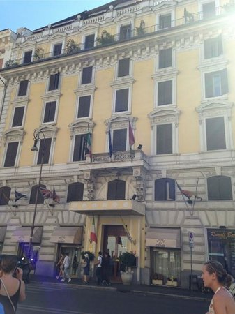 Genio Hotel : outside of hotel