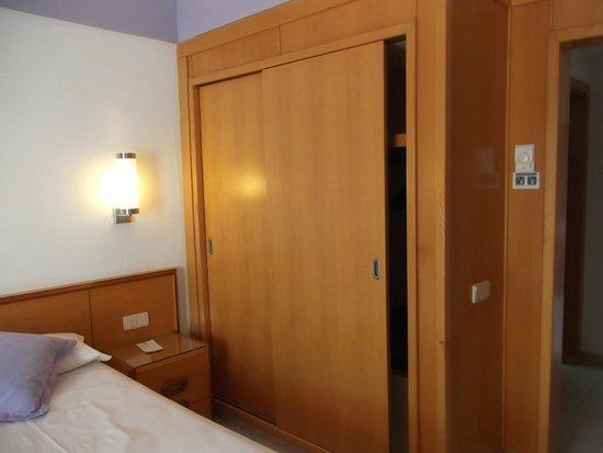 Hotel Riu Don Miguel: Armario