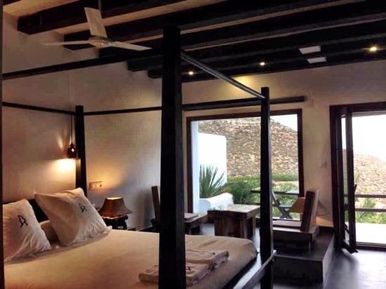 La Almendra y El Gitano: Habitación