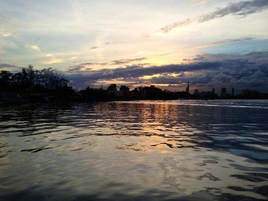 Lagoon Restaurant: Sunset from the Lagoon.