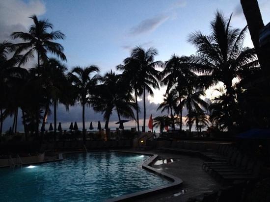 Hilton Marco Island Beach Resort : Beautiful sunsets