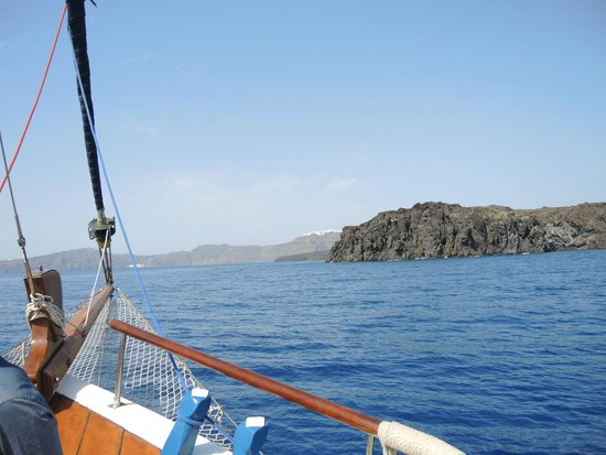 Captain George Santorini Yachting: view from the front of the sailboat