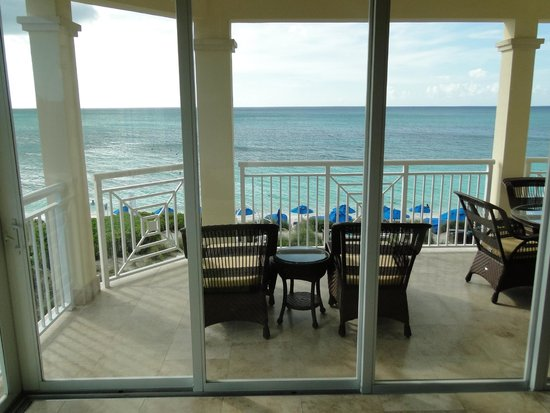 Windsong Resort: View from the Ocean Front Suite