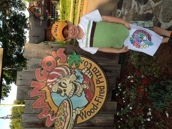 Olde Mistick Village: Magno Pizza