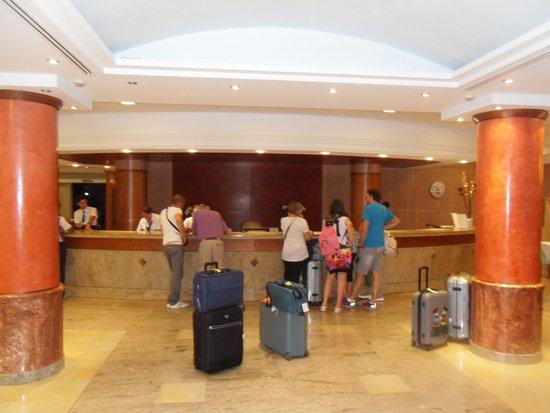 Insotel Tarida Beach Sensatori Resort : Reception area