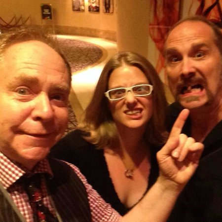 Penn & Teller : Teller took this selfie of the three of us - that's the magic bullet from their finalé in my tee
