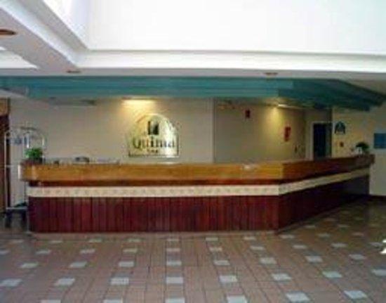 Magnuson Hotel Hattiesburg: Front Desk