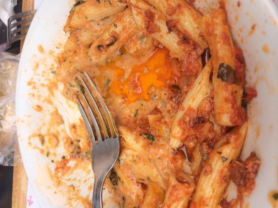 Caffetteria Tavola calda Letizia: Disgusting greasy pasta