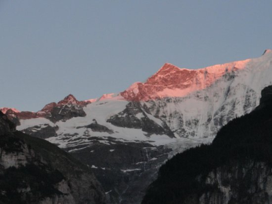 Parkhotel Schoenegg: Alpenglühen Sicht Balkon