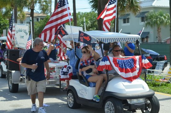 Beachside Village Resort: The BVR staff in the parade for the 4th of July