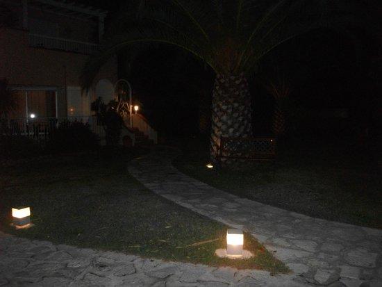 """Hotel Le Cottage : vue de l""""accueil"""