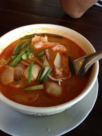 Massaman Restaurant & Bar : Tom Yum soup, chose spiciest possible. Didn't even raise a sweat!