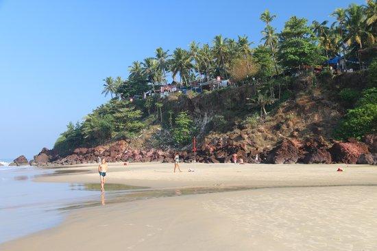 Varkala Beach: К скалам заплывать опасно