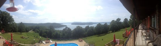 Pointe West Resort Motel : a panoramic view from the balcony
